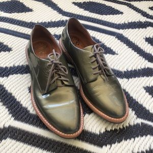 Vince Camuto Nilee patent leather oxfords size 8